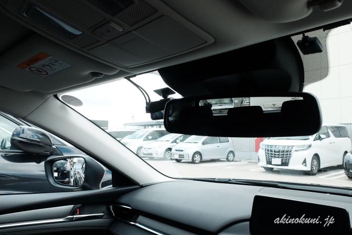 運転席から見えるドライブレコーダー(フロント)