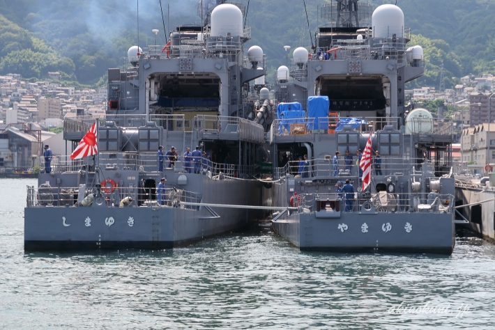 練習艦「しまゆき(TV-3513)」と「やまゆき(TV-3519)」後ろから
