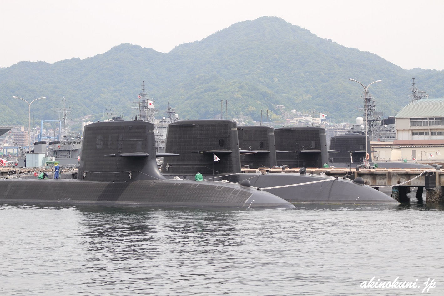 キレイに並んだ潜水艦たち