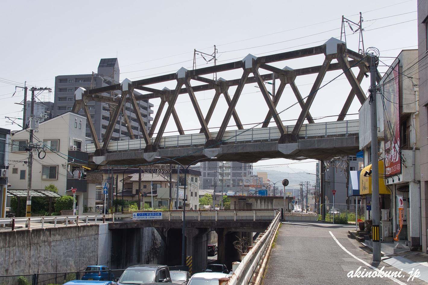 岩鼻架道橋
